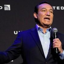 """CEO United Airlines - từ cứu tinh công ty đến vị lãnh đạo """"xấu xí"""""""