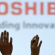 """""""Kẻ tội đồ"""" đã đẩy đế chế hơn 140 năm tuổi Toshiba tới bước đường cùng là ai?"""