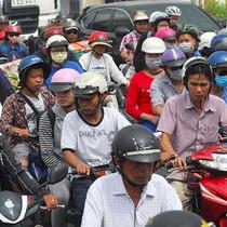 Cấm xe máy: Không phải muốn là được