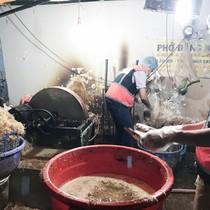 Gần 2 tấn chuối bào ngâm thuốc tẩy ở Sài Gòn