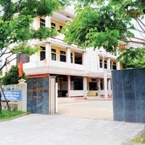 Thừa Thiên - Huế: Ba trưởng, phó phòng lãnh đạo… 1 nhân viên