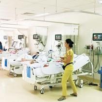 """Nhiều bệnh viện tư """"chết"""" lâm sàng"""