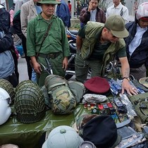 """Những khu chợ bán hàng """"độc"""" chỉ có ở Việt Nam"""