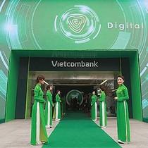 """Hai sự thật trong """"thực tế trớ trêu"""" của Vietcombank"""