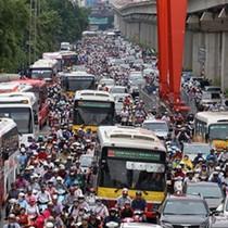 Đề xuất cấm xe máy: Xe buýt từ chối, người dân đi lại bằng gì?