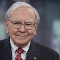 Vì sao tỷ phú Warren Buffett không bao giờ dùng iPhone?