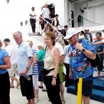 Du lịch tàu biển Việt thua tại sân nhà