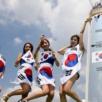 Hàn Quốc có đang lâm vào vết xe đổ của Nhật Bản?