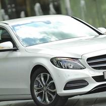 Khách hàng mua Mercedes-Benz tố bị đại lý... hứa hão