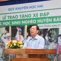 Nông dược HAI trao xe đạp cho học sinh dân tộc Raglai