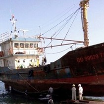 Tàu cá vỏ thép hư hỏng hàng loạt: Sai phạm, phải bồi hoàn cho ngư dân