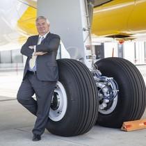 Vị salesman người Mỹ mang về cho hãng máy bay Pháp hàng ngàn tỷ USD nhờ phong cách bán hàng