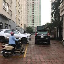 Vỉa hè chung cư thành bãi đỗ xe: Lỗi tại quy hoạch?