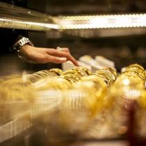 Giảm 9 phiên, giá vàng xuống đáy từ tháng 7/2015