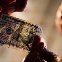 Đồng USD vượt đáy 2 tuần