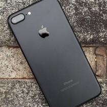 """Rẻ hơn cả 4 - 5 triệu đồng, iPhone 7 khóa mạng trở thành """"hàng hiếm"""""""
