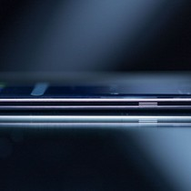 LG cũng sẽ làm điện thoại màn hình cong như S8