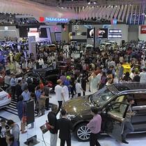 Công nghệ 24h: Ô tô liên tục giảm giá qua từng tháng
