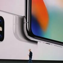 Apple ra mắt iPhone X với thiết kế khác biệt hoàn toàn trước đây