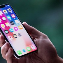 [Infographic] Những lựa chọn smartphone cao cấp thay thế iPhone X