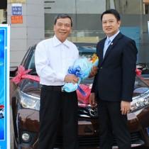 Sacombank trao xe ô tô cho khách hàng trúng thưởng