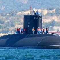 Việt Nam mở lễ nhận tàu ngầm Hà Nội ngày Rằm tháng Giêng