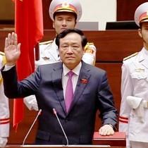 [Video] Chánh án Tòa án nhân dân Tối cao Nguyễn Hòa Bình tuyên thệ nhậm chức