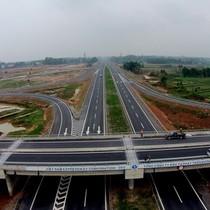 Vì sao xây cao tốc Bắc - Nam, thay vì mở rộng đường Hồ Chí Minh?