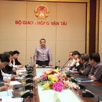 Bộ trưởng Giao thông: Không nâng công suất Tân Sơn Nhất quá 40 triệu khách/năm