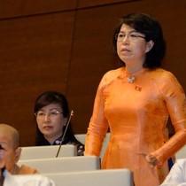 """Bộ trưởng báo cáo """"lạc quan"""", đại biểu liên tục bấm nút tranh luận"""