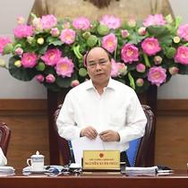 Thủ tướng: Nuôi gà mất 40 ngày nhưng làm thủ tục bán gà còn lâu hơn