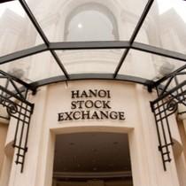 """HNX """"bảo vệ quyền lợi nhà đầu tư"""", bảo vệ kiểu gì?"""