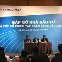 """Petrolimex: Cổ tức 2016 sẽ """"rất ấn tượng"""", vẫn """"ém"""" giá niêm yết cổ phiếu PLX"""