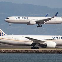 Tại sao máy bay United Airlines bất ngờ chuyển hướng khỏi không phận Nga?