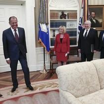 Tổng thống Mỹ tiết lộ cho Nga thông tin mật gì?