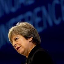 Khủng hoảng trong nội các Anh: Thêm một bộ trưởng từ chức