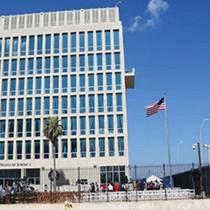 Mỹ cắt 60% nhân viên ngoại giao, ngưng cấp visa ở Cuba