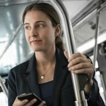 """Hãng hàng không đưa sáng kiến """"đứng như trên xe bus"""""""