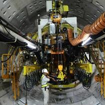 Robot khổng lồ khoan hơn 700m hầm metro đầu tiên ở Sài Gòn