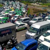 """Phí """"đè"""" ô tô vào trung tâm Sài Gòn: Vành đai trạm thu phí"""