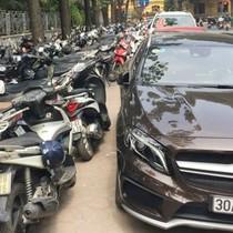 Hà Nội đề xuất tăng phí lòng đường, hè phố gấp 3 lần: Có thuyết phục?