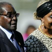 Tổng thống Zimbabwe bị nghi đang nắm giữ khối tài sản tỷ USD