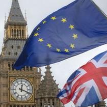 Người Anh sẽ phải làm việc 17 năm liền không được tăng lương?