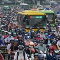 Ưu đãi tuyển dụng và tiền lương: TP.HCM gánh áp lực gia tăng dân số lên 15-20 triệu người
