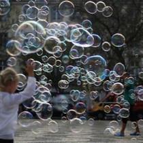 Nhìn lại 4 bong bóng lớn nhất lịch sử kinh tế