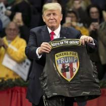 Tổng thống Trump đòi báo Mỹ xin lỗi vì đăng ảnh giả mạo