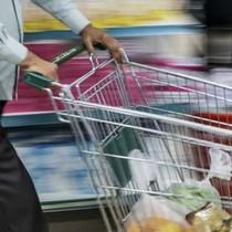 Trở thành tỷ phú nhờ mở chuỗi siêu thị bán đồ gia dụng giá rẻ, xấu, bẩn, không trang trí cầu kỳ