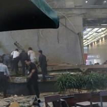 [Video] Hiện trường vụ sập sàn chứng khoán Jakarta