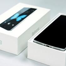 """Sinh ra """"sánh ngang iPhone"""" nhưng giờ BPhone sống cảnh """"bình dân""""?"""