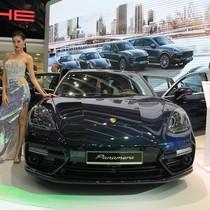"""Chiêm ngưỡng mẫu xe đắt nhất tại triển lãm ô tô """"nhà giàu"""" tại TP.HCM"""